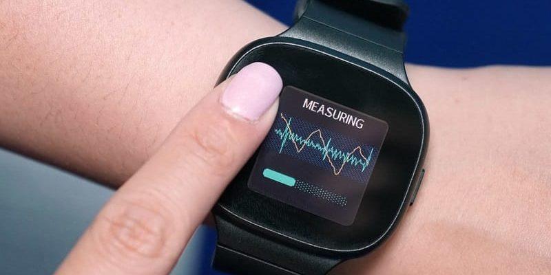 Фитнес-браслеты и смарт-часы с измерением давления. Как работает эта технология и можно ли ей доверять? - Deep-Review